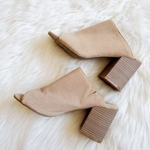 Kenneth cole reaction Top notch 2 block heel mules